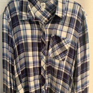 Gap longed sleeve women's flannel Size xl
